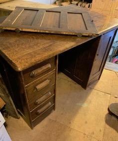 Antique Desk Tiger oak Ca 1900